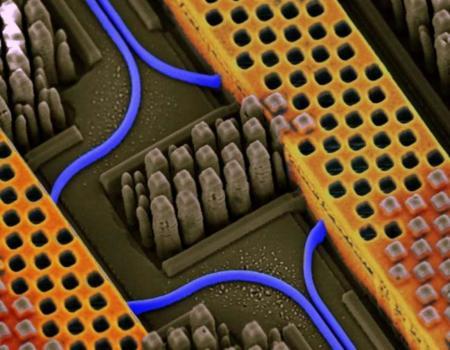 Este chip se autodestruirá a sus órdenes mi capitán: IBM tiene el encargo de DARPA