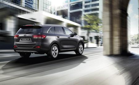 Siempre por el camino que le marcas a tu coche: AWD Dynamax y el control de la estabilidad inteligente, a fondo