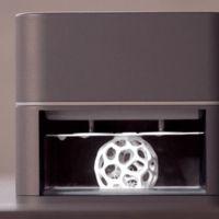 OLO permite imprimir en 3D gracias a la luz blanca del smartphone