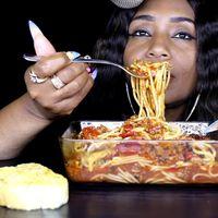 ASMR mal: Cuando el placer sensorial se topó con gente comiendo