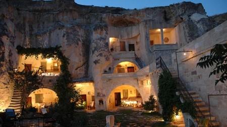 8066 Caverna