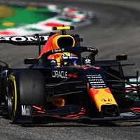 El rendimiento de Sergio Pérez se ha desplomado desde que renovó y Red Bull lo paga en el mundial de constructores