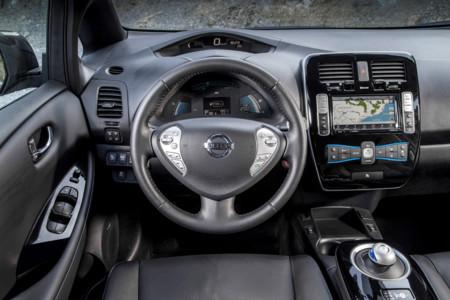 Nissan Leaf 30 kWh interior