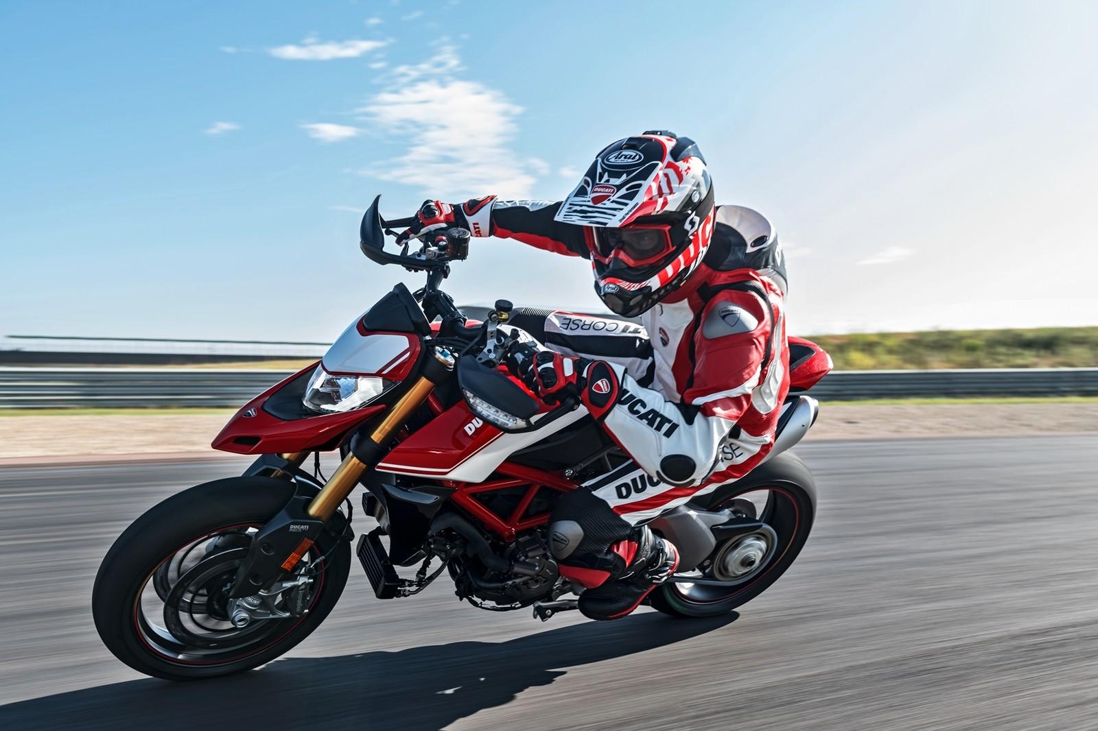 Foto de Ducati Hypermotard 950 2019 (9/76)