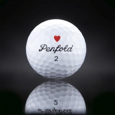 Penfold's Heart, la nueva edición limitada de la pelota de golf preferida de 007