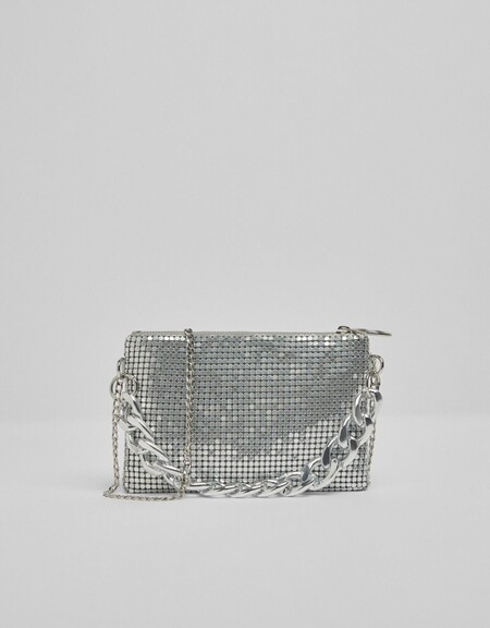 Mesh bag with chain