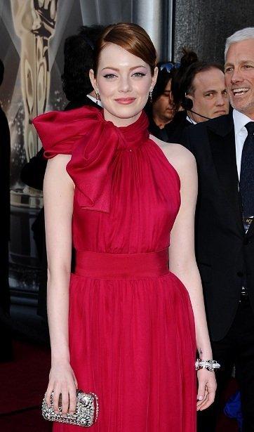 El look de Emma Stone en la alfombra roja de los Oscars 2012