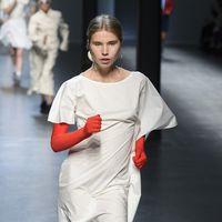 Cuando el powerwalking llegó a las pasarelas de moda y la Milan Fashion Week fue mucho más divertida