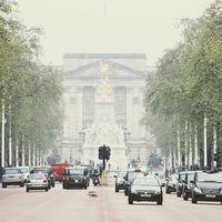 Reino Unido apuesta por los coches eléctricos... reduciendo ayudas y eliminando incentivos para híbridos