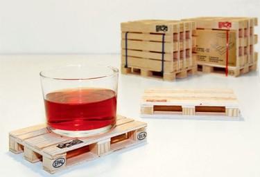 Apoya tus vasos en mini palés