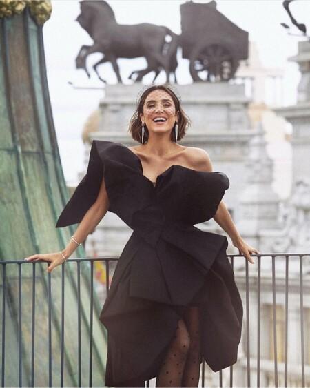 Cómo llevar un vestido negro a una boda de día