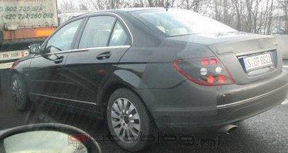 Mercedes Clase C 2008: más fotos espía y un vídeo oficial