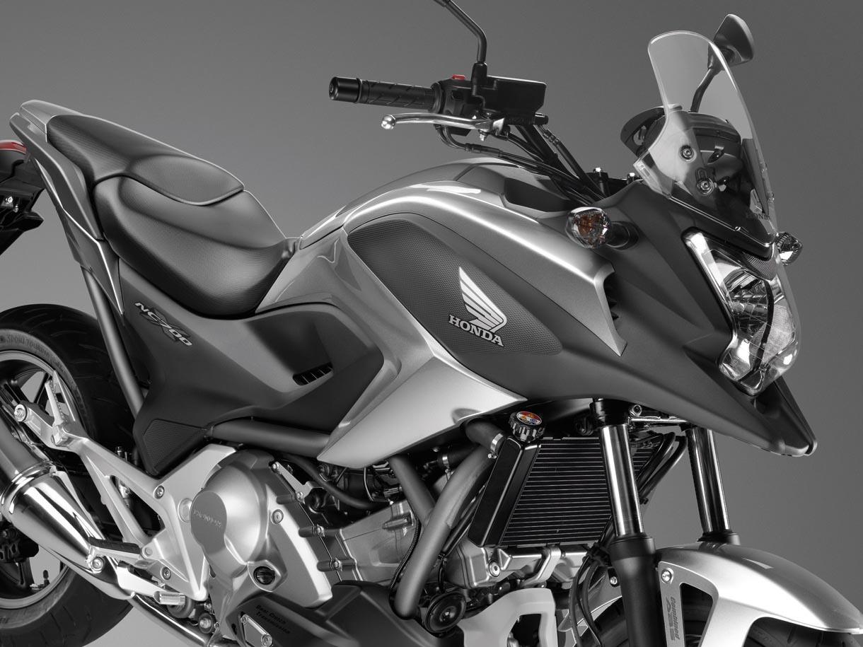 Foto de Honda NC700X, Crossover significa moto para todo (11/15)