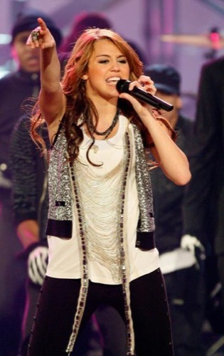 Miley Cyrus en los American Music Awards 2008