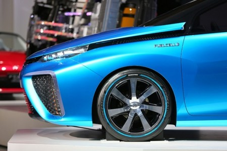 Los japoneses disfrutarán de una ayuda para la compra del Toyota FCV que lo dejaría en 36.500 euros