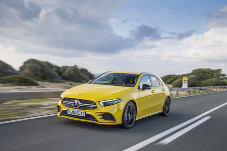 Mercedes-AMG A35 4matic lateral delantero