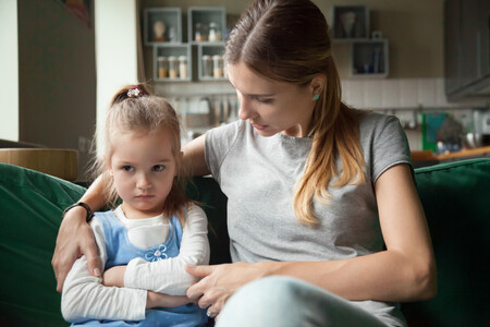 Cuando peor se comporta tu hijo, más te necesita: no lo ignores ni castigues