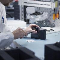 Hasselblad nos lleva de visita a sus instalaciones y nos muestra cómo se diseñan y fabrican sus cámaras del X System