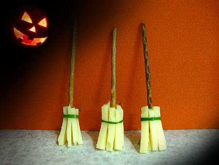 Escobas de bruja para cenar en Halloween