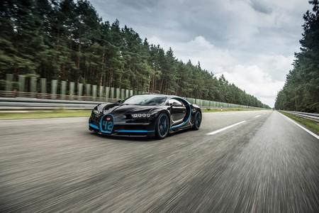 ¿La cámara más cara del mundo? El vídeo del Bugatti Chiron a 400 km/h fue grabado desde otro Chiron