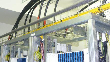 Desciende el número de líneas móviles pero aumenta la banda ancha y el despliegue de fibra
