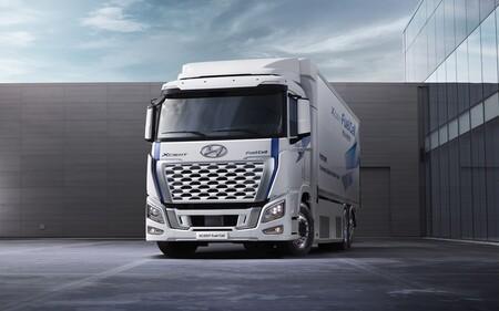 Hyundai Xcient Fuel Cell 2021 4