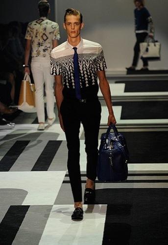 Gucci, Primavera-Verano 2010 en la Semana de la Moda de Milán