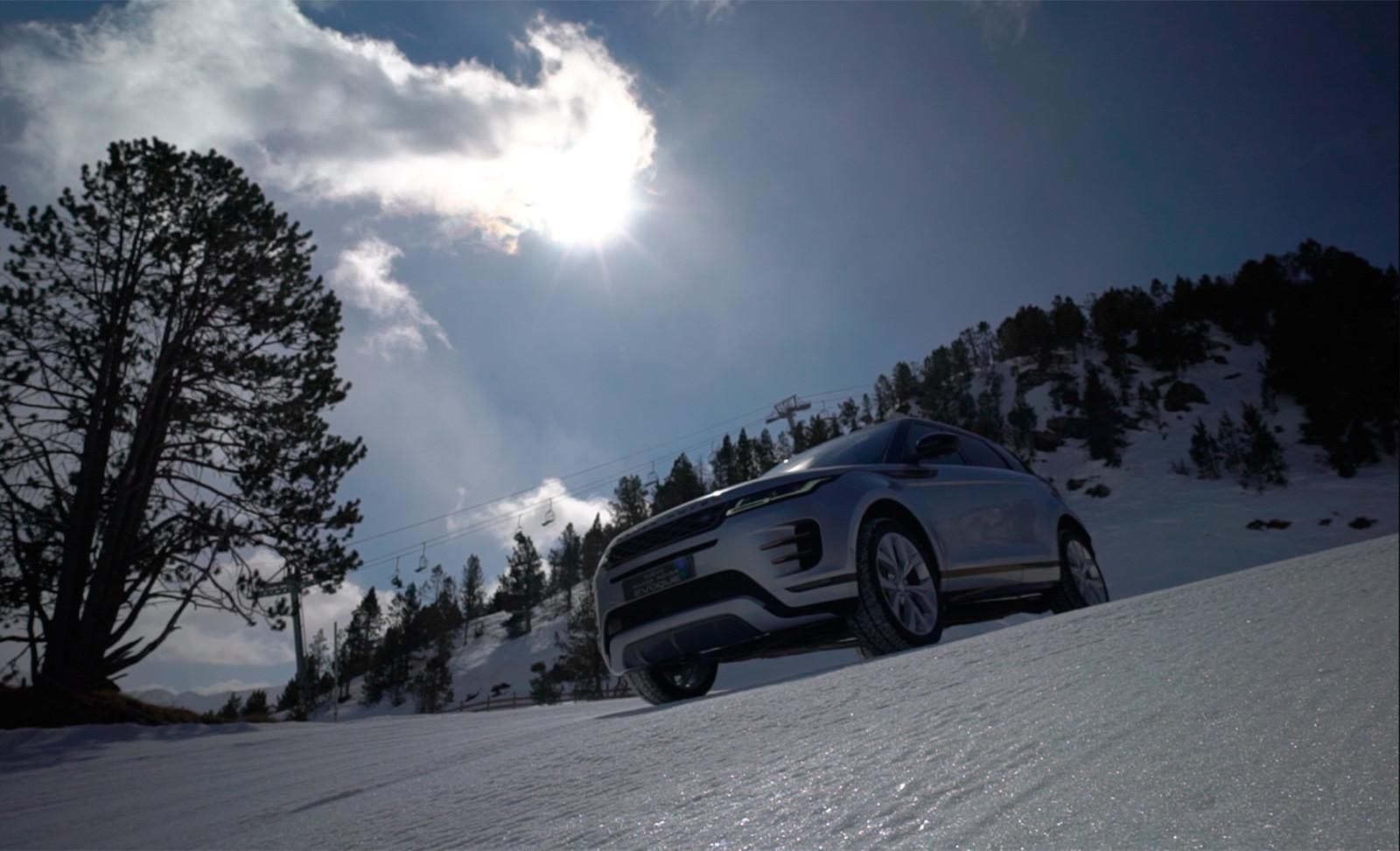 Foto de Curso de conducción en nieve de Jaguar Land Rover (6/28)