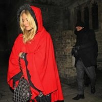 Tu también puedes ser una caperucita roja como Sienna Miller