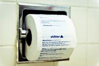 Para leer en el baño, tweets impresos en papel higiénico