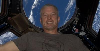 La primera fotografía de Instagram en el espacio es un 'selfie' (aunque con un buen fondo)