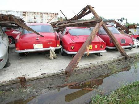 Ferrari destrozado