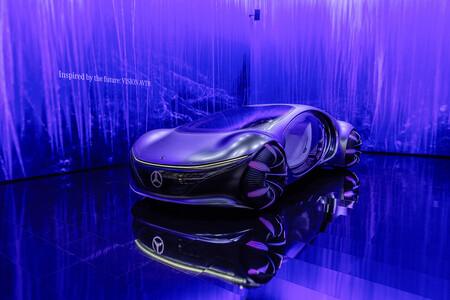 Mercedes-Benz VISION AVTR: un concept del futuro inspirado en 'Avatar' que se conduce con la mente