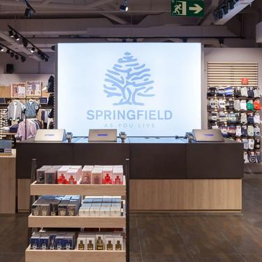 Springfield vuelve a sus orígenes adoptando el logotipo del árbol para su colección de primavera