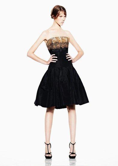 vestido negro AMQ