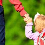 Entregan por error a una niña de tres años a otro padre a la salida del cole