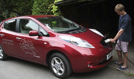 El Nissan Leaf escogido como coche safari en el Parque Nacional de Dartmoor