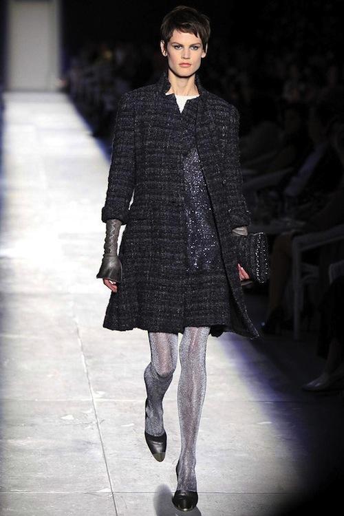Foto de Chanel Alta Costura Otoño-Invierno 2012/2013: rosa, gris, brillos y nuevo vintage (2/61)