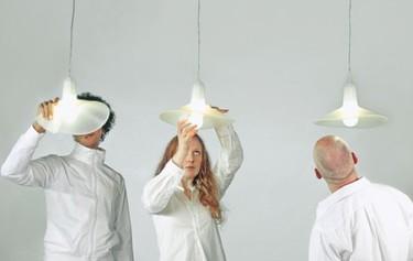 Droog, una lámpara flexible que cambia de forma