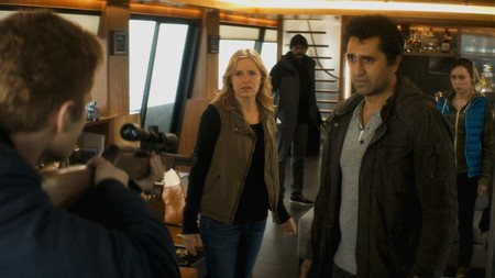AMC renueva 'Fear the Walking Dead' por una cuarta temporada y ficha nuevos showrunners