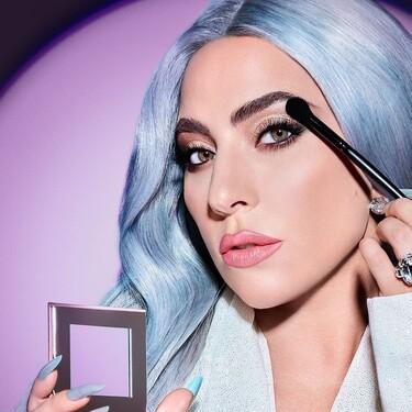 Lady Gaga presenta sus nuevas paletas de sombras de ojos con las que conseguir un perfecto maquillaje de cara a Navidad