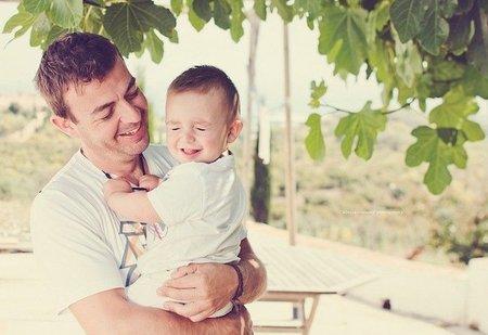 La foto de tu bebé: Mario divertido con papá
