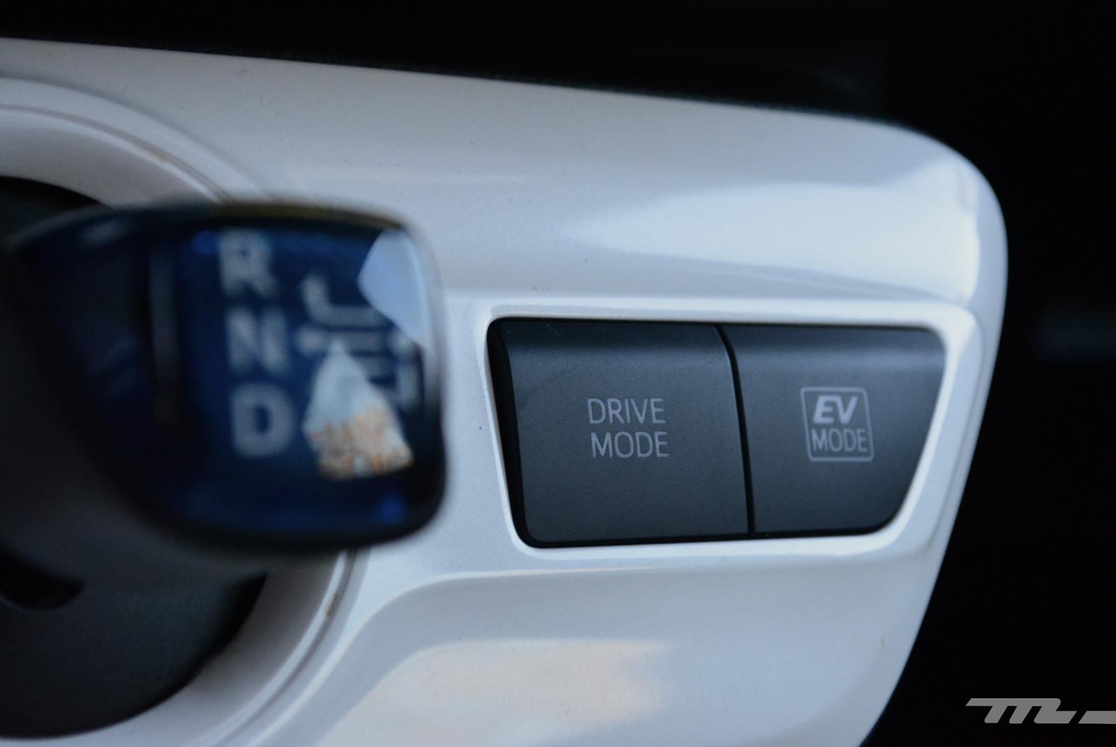 Foto de Hyundai Ioniq vs. Toyota Prius (14/22)