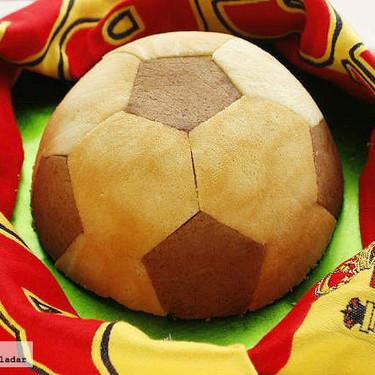 Pastel balón de fútbol, receta para amantes del fútbol y el chocolate