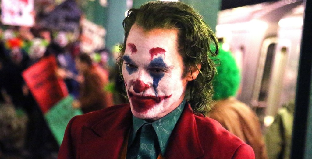 The long-awaited 'Joker' of Joaquin Phoenix, presents his poster as an appetizer to trailer