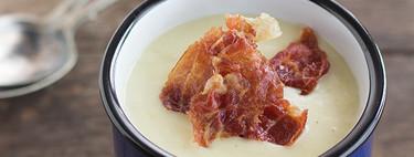 Crema de puerros con crujiente de jamón, receta reconfortante y deliciosa