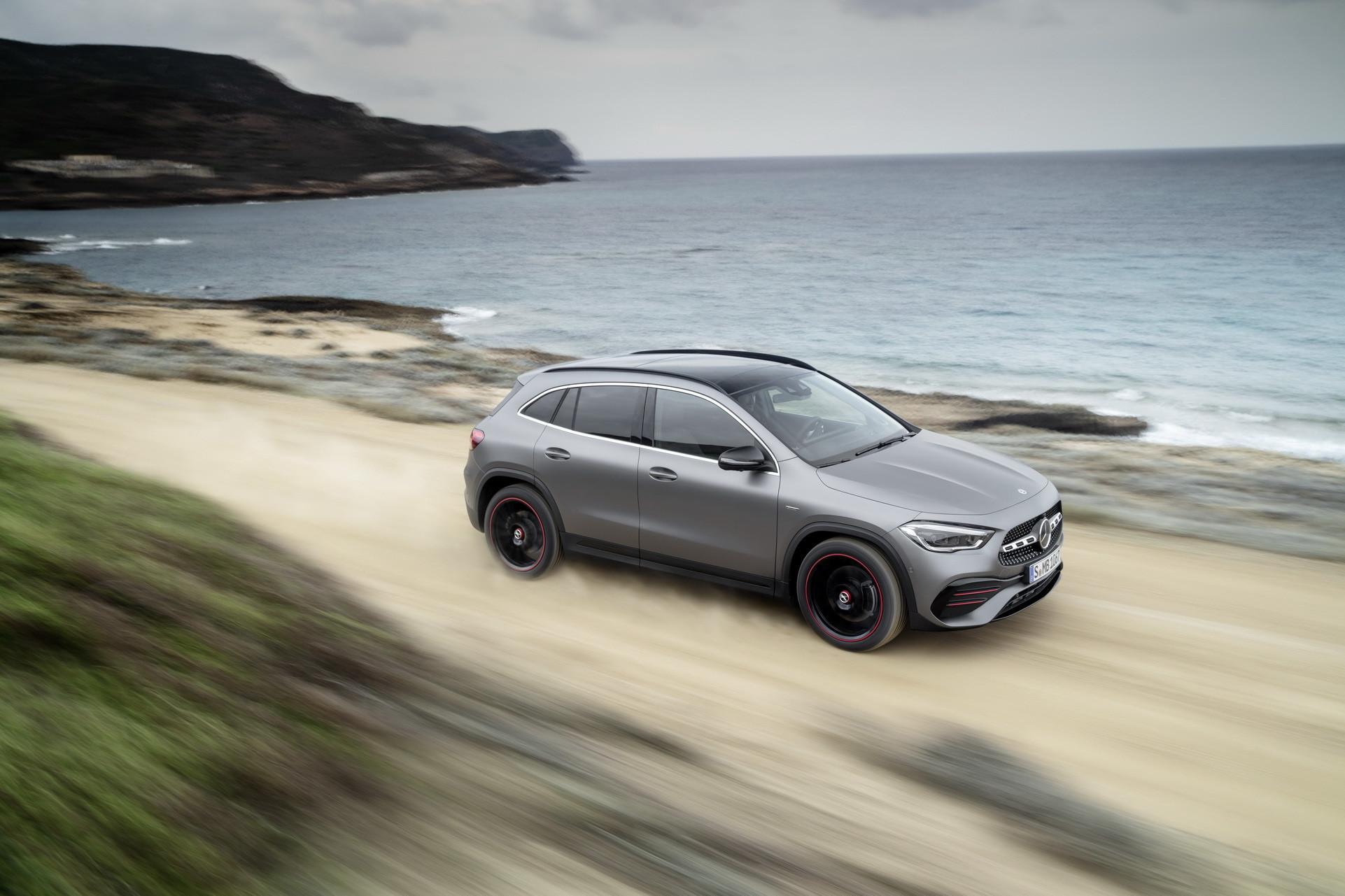 Foto de Mercedes-Benz GLA 2021 (46/103)