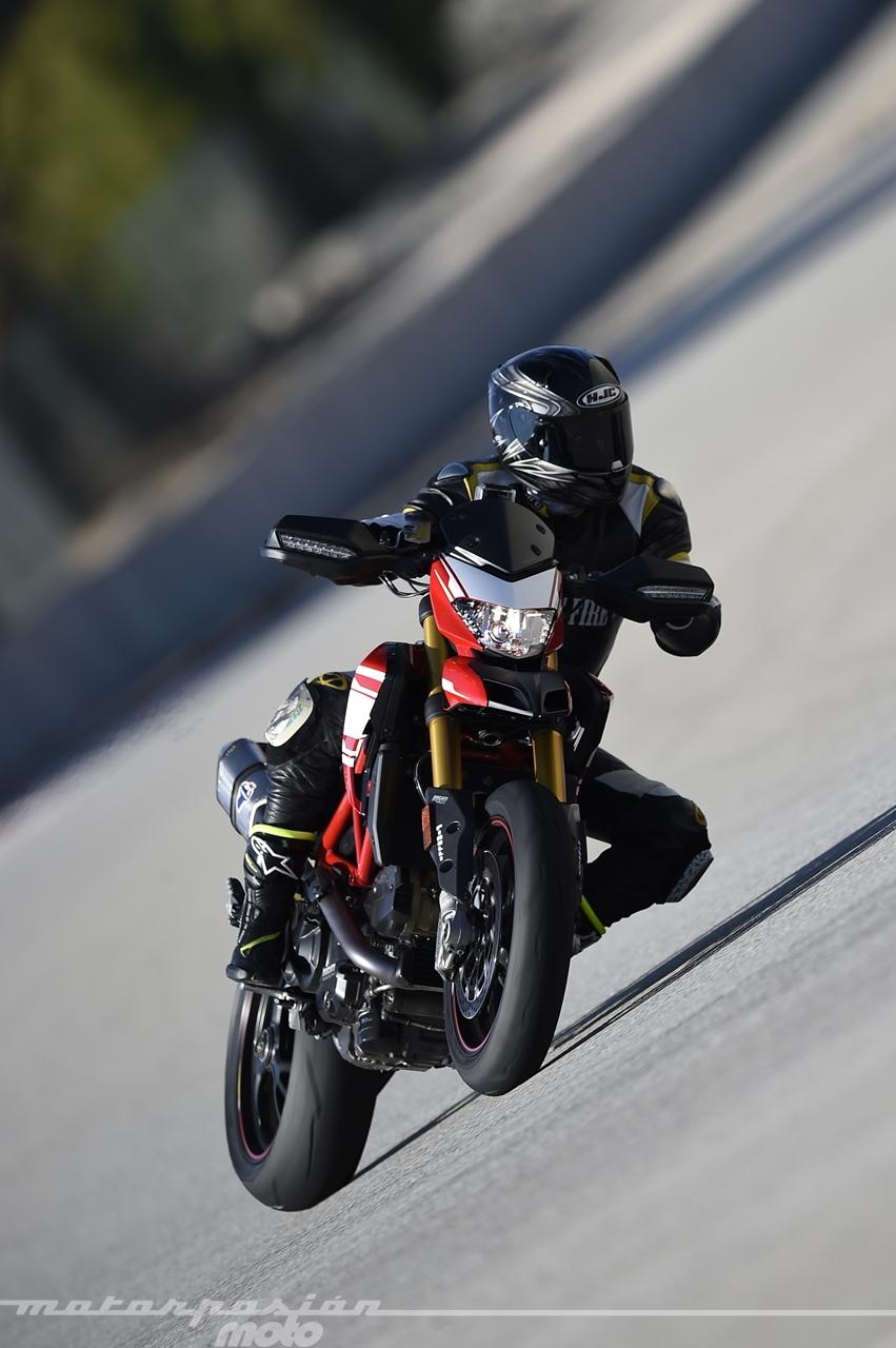 Foto de Ducati Hypermotard 939 SP - Motorpasión Moto (27/36)