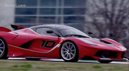 Sebastian Vettel conduce un FXX-K, ahora al máximo
