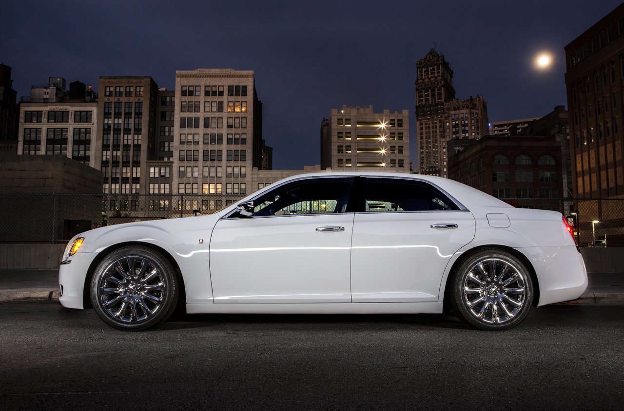 Foto de Chrysler 300C Motown Edition (9/21)